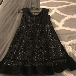 Nanette Lepore size 2 lace black and white dress